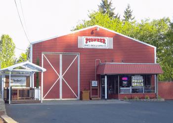 Vancouver fencing contractor Pioneer Fence, Deck & Supply Company