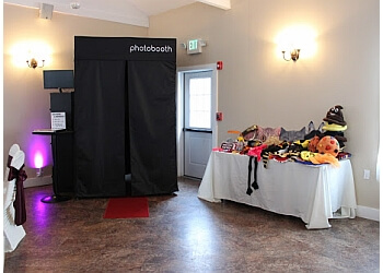 Pittsburgh photo booth company Pittsburgh Prestige Photo Booth