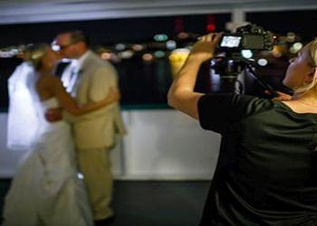 Seattle videographer Pixel Dust Weddings