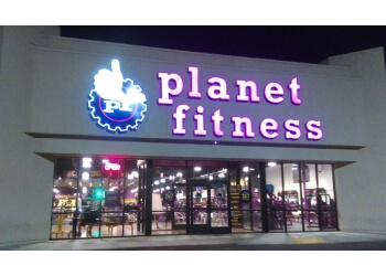 Bakersfield gym Planet Fitness