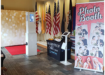 Tacoma photo booth company Platinum Touch Photobooths