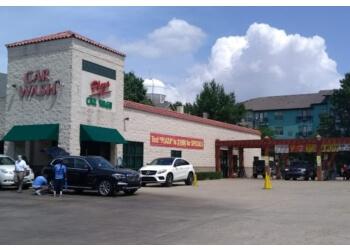 Dallas auto detailing service Plaza Car Wash & Lube Center