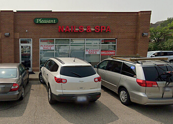 Grand Rapids nail salon Pleasant Nails & Spa