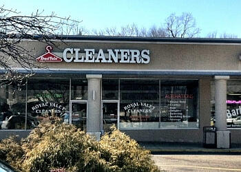 Fort Lauderdale dry cleaner Port Royal Cleaners