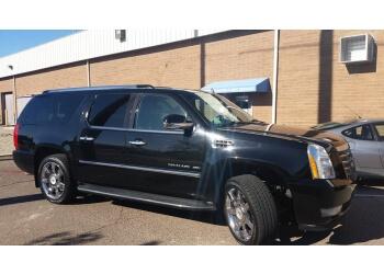 Glendale limo service Posh Rides LLC.