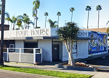 Oceanside night club Pour House