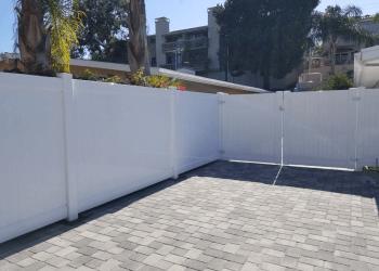 Glendale fencing contractor  Practic Vinyl Inc.