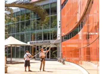 Honolulu window cleaner Precision Cleaning Hawaii Inc.