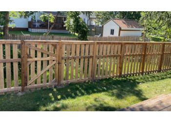 Grand Rapids fencing contractor Pro-Line Fencing