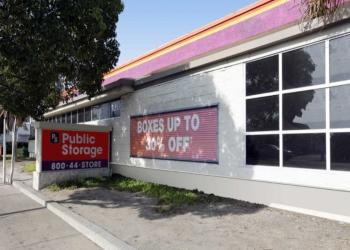 Anaheim storage unit Public Storage
