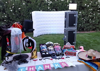 Tucson photo booth company Pucker Up! Party Photo Booth