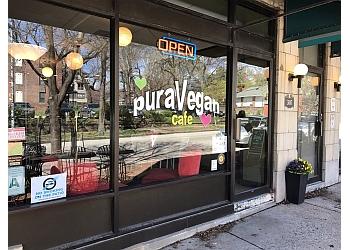 St Louis juice bar PuraVegan Cafe