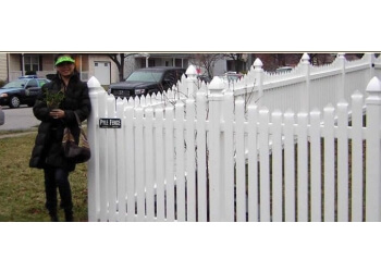 Baltimore fencing contractor Pyle Fence