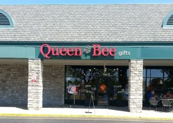 Lexington gift shop Queen Bee Gifts