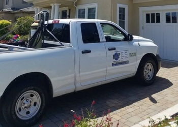 San Jose gutter cleaner R12 Window Cleaning