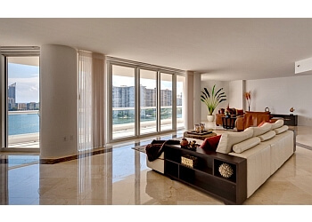 Santa Clarita house cleaning service RENT ME TODAY, LLC