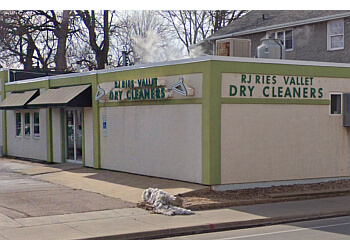 Sioux Falls dry cleaner RJ Ries Vallet Dry Cleaners