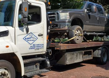Akron towing company RUBBER CITY TOWING