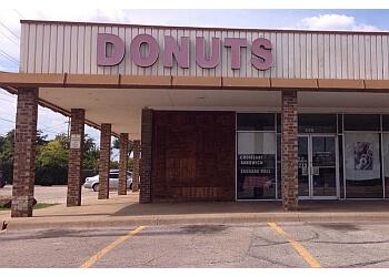 Garland donut shop Rainbow Donuts