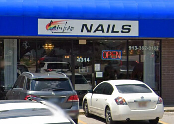 Kansas City spa Rainbow Nails & Spa