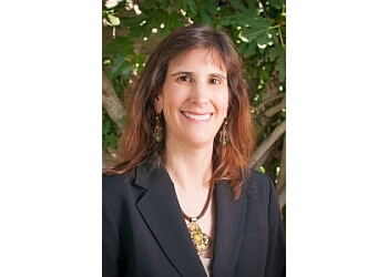 Eugene immigration lawyer Raquel E. Hecht