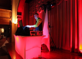Tucson dj Raza Entertainment Premium DJ & Host Services