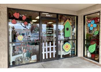 Mesa florist Razzle Dazzle Flowers & Gifts