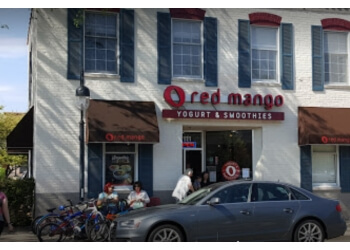 Naperville juice bar Red Mango
