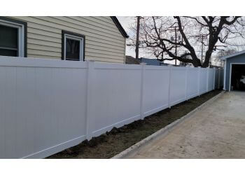 Sterling Heights fencing contractor Redline Fence