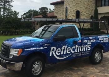 Jacksonville window cleaner Reflections Window and Pressure Washing