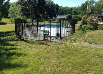 Rochester fencing contractor Regency Fence Company