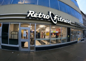 Philadelphia gym Retro Fitness