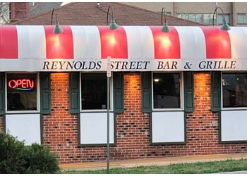 Alexandria sports bar Reynolds Street Bar and Grill
