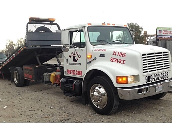 San Bernardino towing company RHINO TOWING