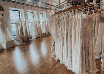 Omaha bridal shop Rhylan Lang
