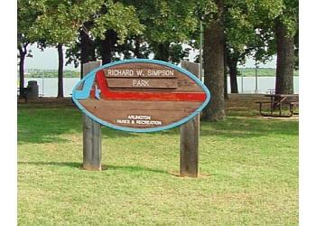 Arlington public park Richard Simpson Park