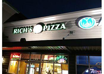 Kent pizza place Rich's 5 Star Pizza
