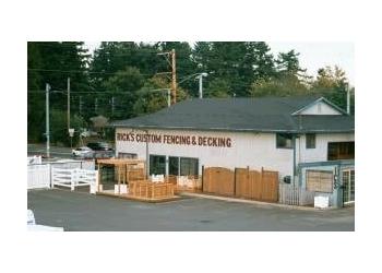 Portland fencing contractor Rick's Custom Fencing & Decking