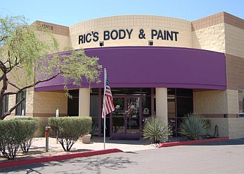 Scottsdale auto body shop Ric's Body & Paint Inc.