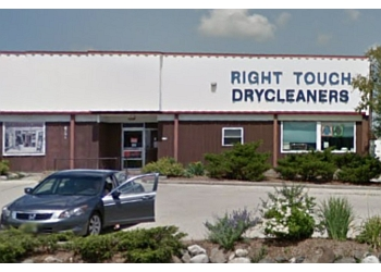 Madison dry cleaner Right Touch Dry Cleaners