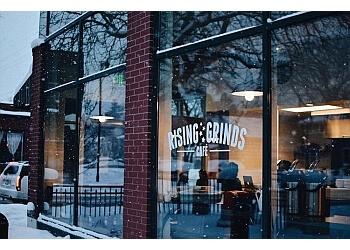 Grand Rapids cafe Rising Grinds Café