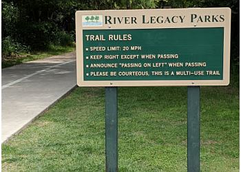 Arlington hiking trail River Legacy Parks Trail