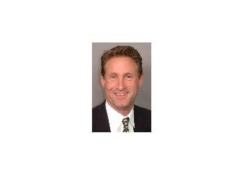 Huntington Beach eye doctor Robert G Starr, MD