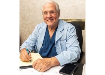 Cape Coral plastic surgeon Robert J. Brueck, MD, FACS - BEAUTY BY BRUECK