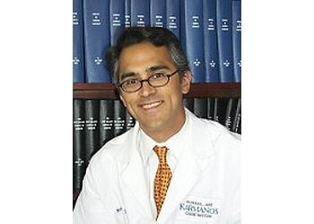 Detroit oncologist  Robert Morris , M.D.