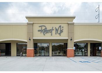 Lafayette hair salon Robert M's