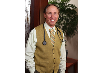 Salinas endocrinologist Robert R Revers, MD, FACE, CCD