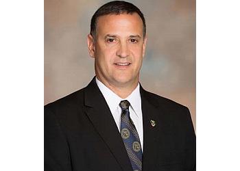 Rochester orthopedic Robert W Molinari, MD