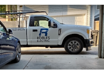 Joliet electrician Robles Electrical