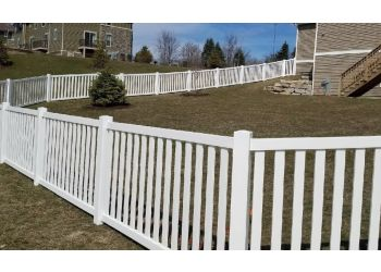 Rockford fencing contractor Rock Valley Fence and Deck